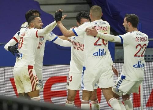 Новый лидер Лиги 1. Лион вырвал победу у Бордо и опередил ПСЖ